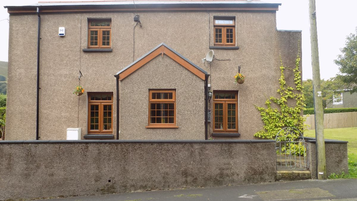 Russinda Cottage, High Street, Blaina, Abertillery